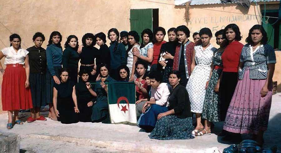 Militantes algériennes dans une prison
